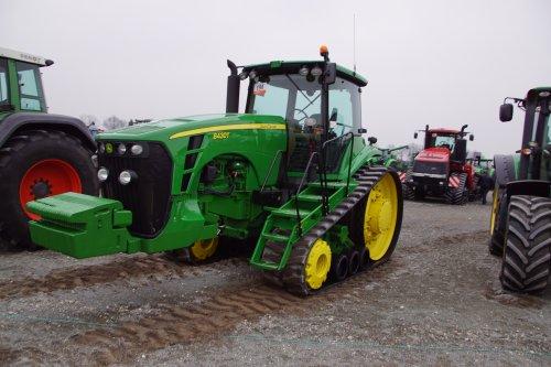 Foto van een John Deere 8430 T. Geplaatst door jans-eising op 26-03-2019 om 20:06:37, op TractorFan.nl - de nummer 1 tractor foto website.