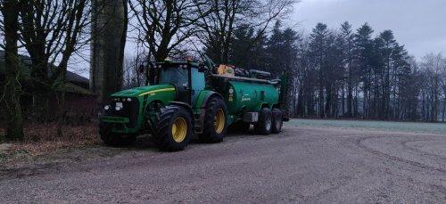 Foto van een John Deere 8230. Geplaatst door soren-christensen op 15-05-2019 om 14:06:20, op TractorFan.nl - de nummer 1 tractor foto website.