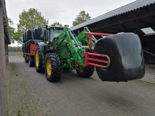 Foto van een John Deere 6145M. Geplaatst door Rickwagter op 18-05-2019 om 10:26:02, op TractorFan.nl - de nummer 1 tractor foto website.