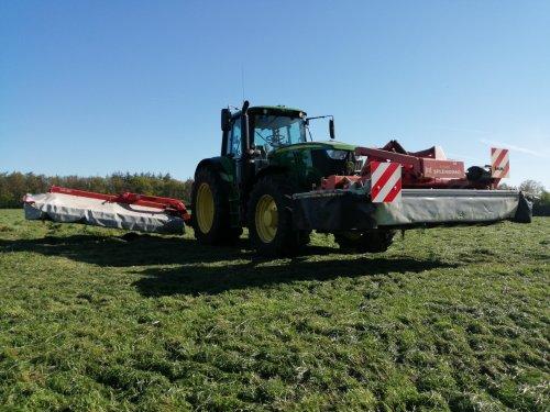 Foto van een John Deere 6145M. Geplaatst door Rickwagter op 18-05-2019 om 10:26:40, op TractorFan.nl - de nummer 1 tractor foto website.