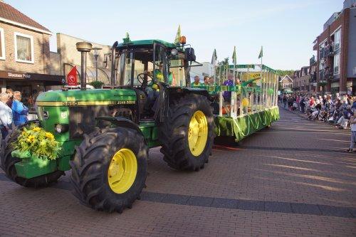 Foto van een John Deere 3650. Geplaatst door jans-eising op 07-06-2019 om 21:09:15, op TractorFan.nl - de nummer 1 tractor foto website.