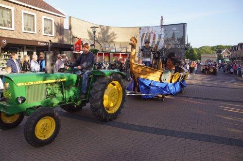 Foto van een John Deere 1020. Geplaatst door jans-eising op 08-06-2019 om 20:15:27, op TractorFan.nl - de nummer 1 tractor foto website.