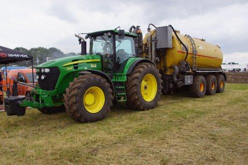 Foto van een John Deere 7930. Geplaatst door jans-eising op 07-07-2019 om 14:12:55, op TractorFan.nl - de nummer 1 tractor foto website.