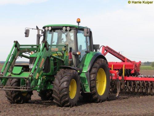 Foto van een John Deere Onbekend. Geplaatst door oldtimergek op 13-07-2019 om 06:40:21, op TractorFan.nl - de nummer 1 tractor foto website.