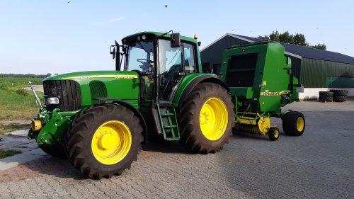 Foto van een John Deere 6520. Geplaatst door Kouboer84 op 27-07-2019 om 22:47:59, op TractorFan.nl - de nummer 1 tractor foto website.