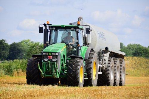 Het oude beest van loonwerken Aernouts tax uit Loenhout gespot bij Landbouwwerken Van Den Bulck. Geplaatst door jd7920 op 08-08-2019 om 20:27:29, op TractorFan.nl - de nummer 1 tractor foto website.