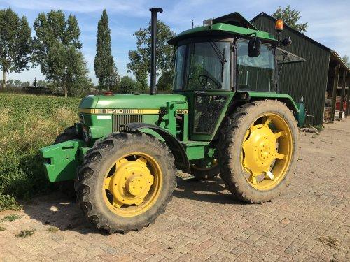 Foto van een John Deere 1640. Geplaatst door Rik Engels op 24-08-2019 om 21:21:30, op TractorFan.nl - de nummer 1 tractor foto website.