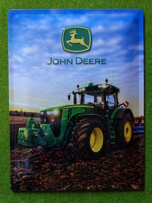 Foto van een John Deere 8370R op een decoratie plaat. Geplaatst door john deere 8360r op 25-08-2019 om 12:51:05, op TractorFan.nl - de nummer 1 tractor foto website.