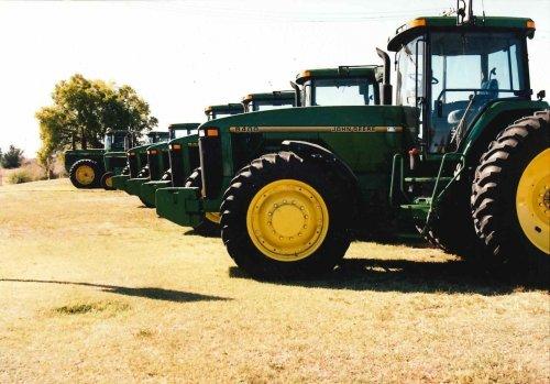 Foto van meerdere John Deere 8000 Serie.. Geplaatst door StijnTheDeereDriver op 01-09-2019 om 18:03:22, op TractorFan.nl - de nummer 1 tractor foto website.