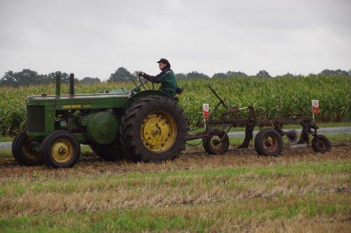 Foto van een John Deere R. Geplaatst door jans-eising op 13-09-2019 om 12:15:27, op TractorFan.nl - de nummer 1 tractor foto website.