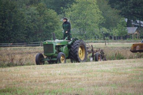 Foto van een John Deere B. Geplaatst door jans-eising op 13-09-2019 om 12:15:33, op TractorFan.nl - de nummer 1 tractor foto website.