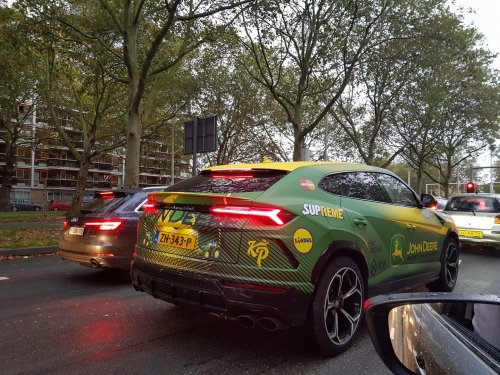 leuke wrap op de auto van Enzo knol :D. Geplaatst door deerefan op 04-10-2019 om 22:54:19, met 3 reacties.