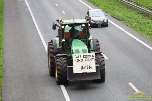 Foto van een John Deere 7930 Bij Boeren Protest Assen  Foto Landbouwpower. Geplaatst door thomas-hepping op 15-10-2019 om 12:58:30, op TractorFan.nl - de nummer 1 tractor foto website.