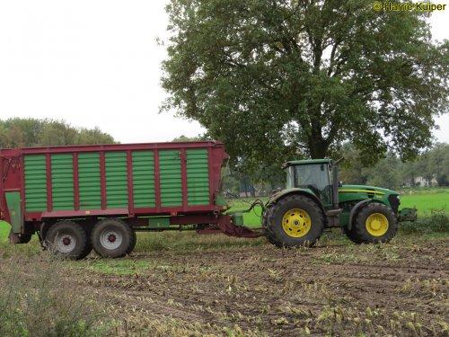 Hier zie je Loonbedrijf Vroege (Dalen) × met een John Deere 7830.. Geplaatst door oldtimergek op 18-11-2019 om 00:39:02, op TractorFan.nl - de nummer 1 tractor foto website.