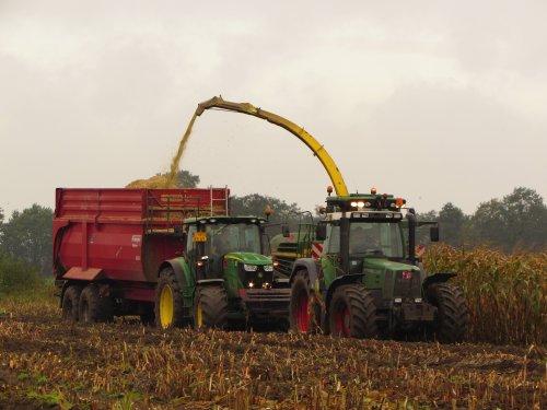 Foto van een John Deere Meerdere. Geplaatst door fend1984 op 19-11-2019 om 21:10:42, op TractorFan.nl - de nummer 1 tractor foto website.