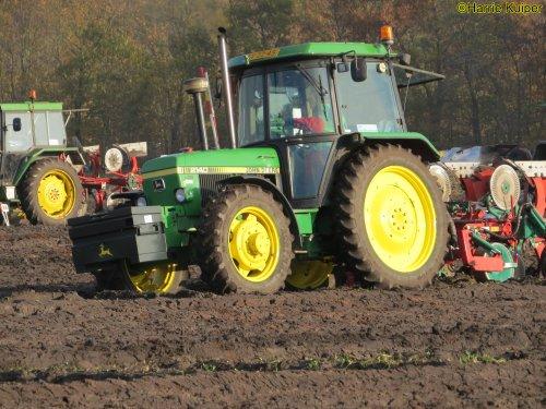 Foto van een John Deere 2140  , nationale ploegwedstrijd 22/11/2019 in Stadskanaal.. Geplaatst door oldtimergek op 19-12-2019 om 15:56:37, op TractorFan.nl - de nummer 1 tractor foto website.