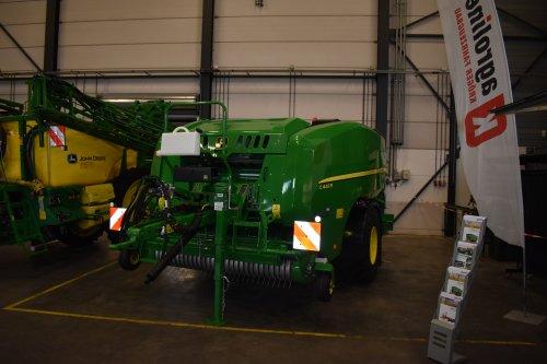 Foto van een John Deere Pers. Geplaatst door jordi 1455 op 25-12-2019 om 19:15:02, op TractorFan.nl - de nummer 1 tractor foto website.