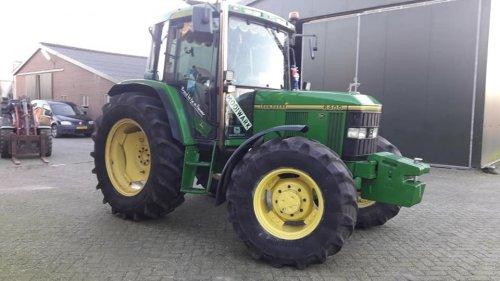 Foto van een John Deere 6400 dagje poetsen hij is weer als nieuw schoon aan 2020. Geplaatst door johndeere6910forever op 30-12-2019 om 16:43:26, op TractorFan.nl - de nummer 1 tractor foto website.