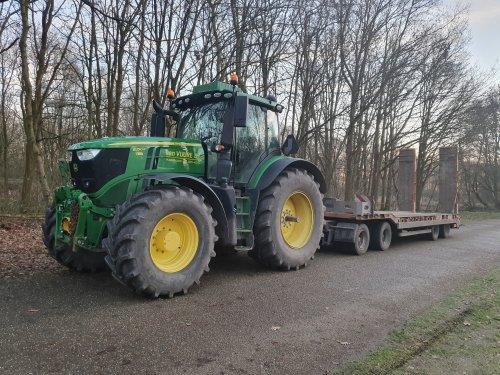 Foto van een John Deere 6250R. De 6250R van mn werk 💪🏻. Geplaatst door jippe op 07-01-2020 om 19:54:14, op TractorFan.nl - de nummer 1 tractor foto website.