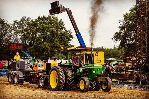 Trekkertrek Markelo 2019 met mijn John Deere 2130. Geplaatst door mp-jd6620 op 19-01-2020 om 19:13:27, op TractorFan.nl - de nummer 1 tractor foto website.