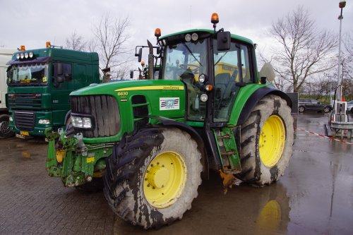 Foto van een John Deere 6630. Geplaatst door jans-eising op 03-02-2020 om 21:10:41, op TractorFan.nl - de nummer 1 tractor foto website.