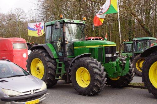 Foto van een John Deere 7710. Geplaatst door jans-eising op 20-02-2020 om 19:11:46, op TractorFan.nl - de nummer 1 tractor foto website.