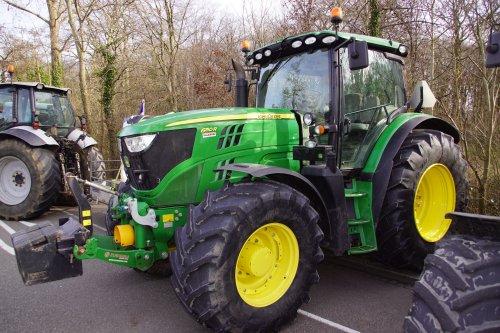 Foto van een John Deere 6150R. Geplaatst door jans-eising op 24-02-2020 om 20:09:46, op TractorFan.nl - de nummer 1 tractor foto website.