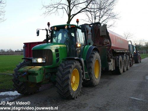 Foto van een John Deere 7530 Premium, Loonbedrijf De Heus uit Langbroek aan het sleepslang bemesten. ZIE OOK DE VIDEO  https://youtu.be/r-IWCET9AsE