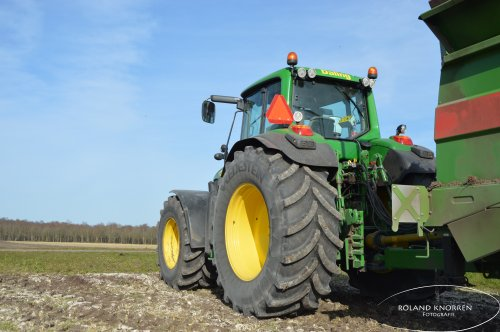 Foto van een John Deere 7430 Premium. Geplaatst door rolandfotografie op 25-03-2020 om 11:35:37, op TractorFan.nl - de nummer 1 tractor foto website.