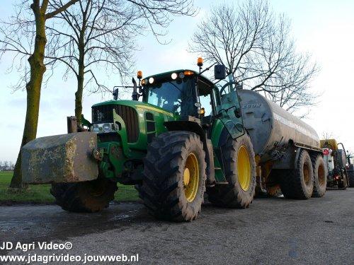 Foto van een John Deere 6830  , Loonbedrijf De Heus uit Langbroek aan het sleepslang bemesten. ZIE OOK DE VIDEO  https://youtu.be/r-IWCET9AsE