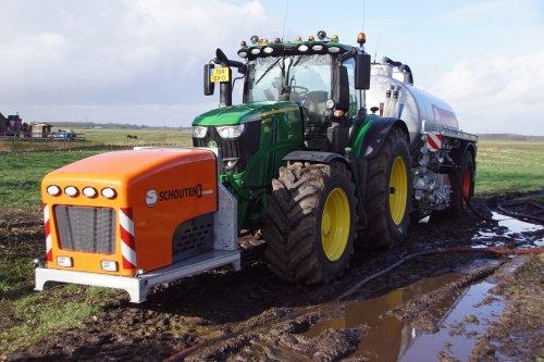 Foto van een John Deere 6250R. Geplaatst door jans-eising op 29-03-2020 om 17:32:37, op TractorFan.nl - de nummer 1 tractor foto website.