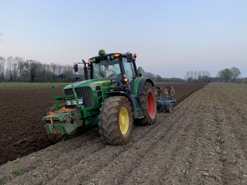Op deze foto is Maatschap Beulink (Velswijk) × actief met een John Deere 6830 Premium.. Geplaatst door joozt op 11-04-2020 om 14:52:01, met 9 reacties.