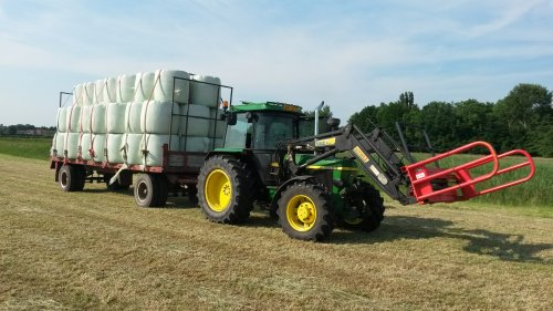 aantal jaar geleden al weer dat we met de 2650 midi baaltjes hebben gehaald. Geplaatst door johndeere 2650 op 05-05-2020 om 12:10:34, op TractorFan.nl - de nummer 1 tractor foto website.