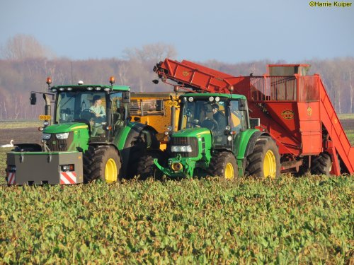 Foto van een John Deere Meerdere aan het bieten laden op 19 dec 2020. Geplaatst door oldtimergek op 21-12-2020 om 10:06:05, met 3 reacties.