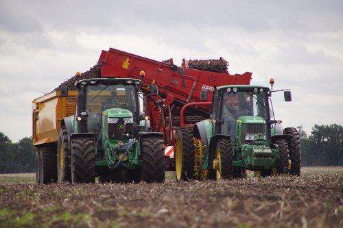 Foto van een John Deere Meerdere. Geplaatst door jans-eising op 28-12-2020 om 16:47:54, op TractorFan.nl - de nummer 1 tractor foto website.