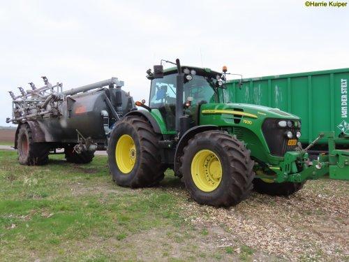 Hier zie je Landgoed Scholtenszathe (Klazienaveen-Noord) × met een John Deere 7930.. Geplaatst door oldtimergek op 28-07-2021 om 12:07:17, op TractorFan.nl - de nummer 1 tractor foto website.