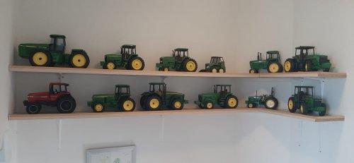 John Deere Miniatuur van JD BORN 2 FARM