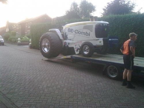 tractorpulling Super-stock van Oosterink