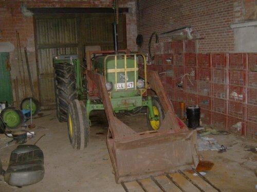 Foto van mijn John Deere 1640, bezig met poseren.. Geplaatst door stijn055 op 17-10-2010 om 19:50:06, op TractorFan.nl - de nummer 1 tractor foto website.