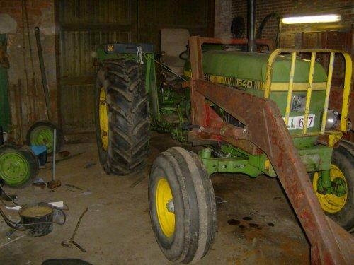 Foto van mijn John Deere 1640, bezig met poseren.. Geplaatst door stijn055 op 17-10-2010 om 19:50:10, op TractorFan.nl - de nummer 1 tractor foto website.