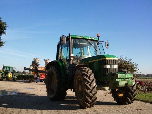 6310. Geplaatst door Ronald88 op 18-10-2011 om 20:58:50, op TractorFan.nl - de nummer 1 tractor foto website.