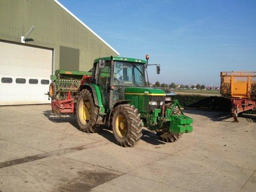 Gelijk door met zaaien, 6210. Geplaatst door Ronald88 op 24-10-2011 om 18:49:45, op TractorFan.nl - de nummer 1 tractor foto website.