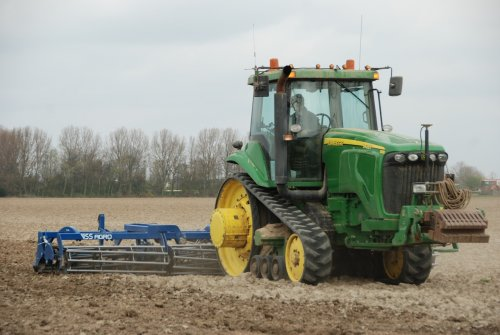 John Deere 8420T met VSS Agro zaaibedbereider van de Biostee uit Zuid Beijerland.. Geplaatst door Martijn380 op 08-04-2012 om 20:26:16, met 5 reacties.