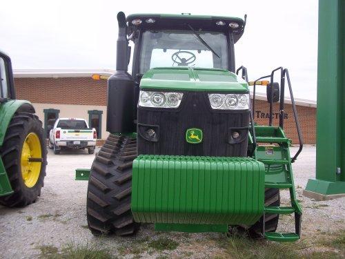 Front of John Deere 8360RT, bezig met poseren.. Geplaatst door marion5900 op 26-05-2012 om 05:30:32, op TractorFan.nl - de nummer 1 tractor foto website.