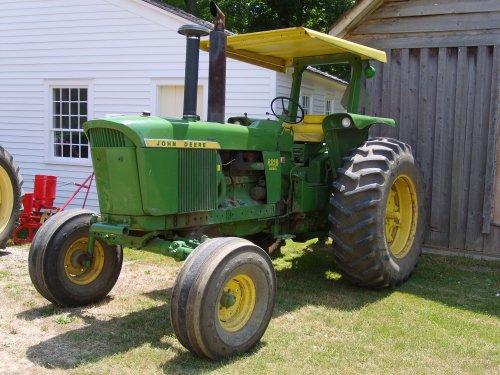 John Deer 4320, bevindt zich in het tractormuseum in Norwich, Ontario, Canada. Geplaatst door RedAttraction op 24-07-2007 om 12:20:16, met 6 reacties.