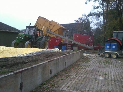 . Geplaatst door royv op 24-10-2012 om 19:51:43, op TractorFan.nl - de nummer 1 tractor foto website.