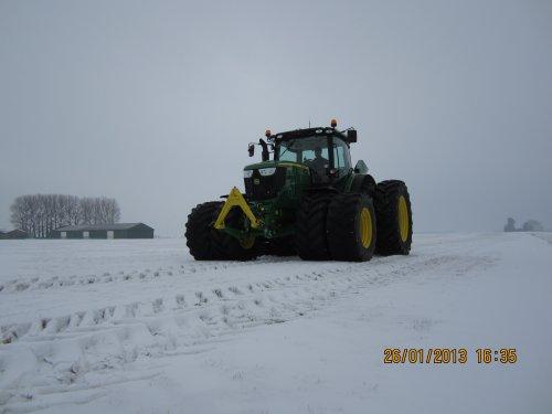 Foto van een John Deere 6170R, bezig met tractorpulling.. Geplaatst door merijn4755 op 26-01-2013 om 16:34:53, met 4 reacties.