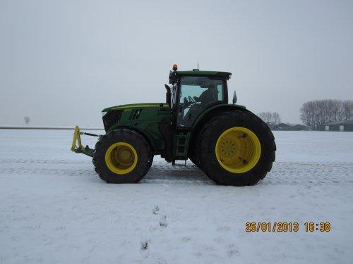 Foto van een John Deere 6170R, bezig met tractorpulling.. Geplaatst door merijn4755 op 26-01-2013 om 16:36:24, met 4 reacties.