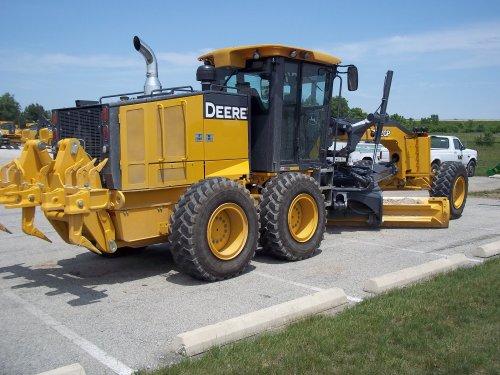 John Deere Grader 772GP with rear ripper, bezig met poseren.. Geplaatst door marion5900 op 25-02-2013 om 04:50:32, op TractorFan.nl - de nummer 1 tractor foto website.