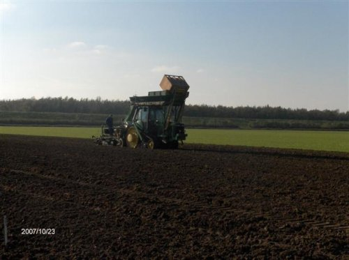 bollenplanten op gps.. Geplaatst door skilder op 23-10-2007 om 10:41:11, op TractorFan.nl - de nummer 1 tractor foto website.